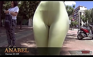 Monumental ass and cameltoe leggings in public