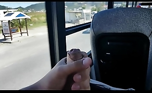 Wanking in the first place bus - Punheta spoonful busao