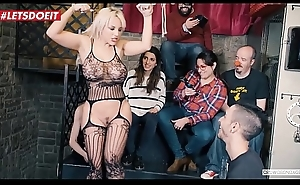 Big Ass Sexy Teen Gets likely and abused at bondage league together (Blondie Fesser)